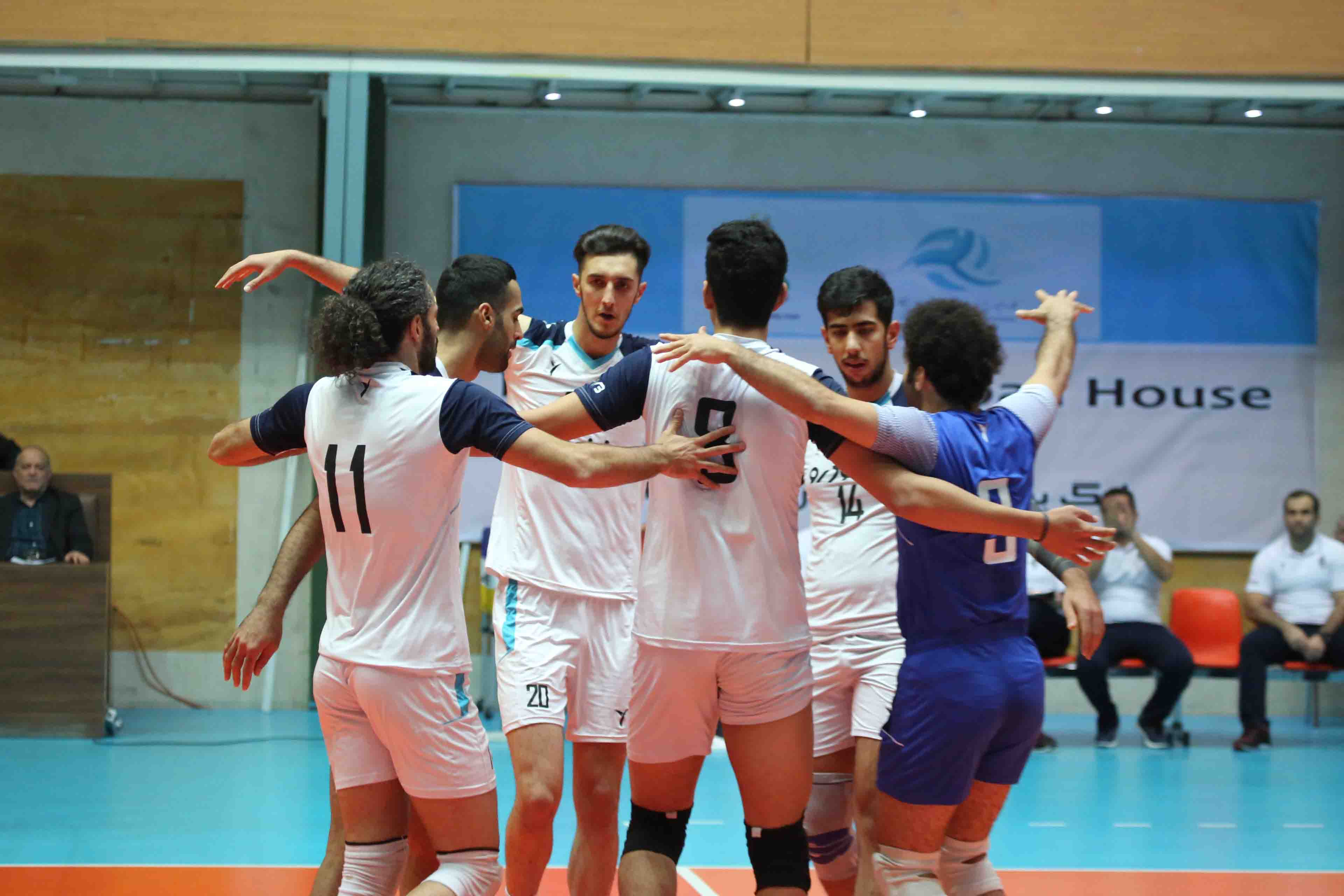 fabulous victory of paykan's volleyball team against payam mashfad
